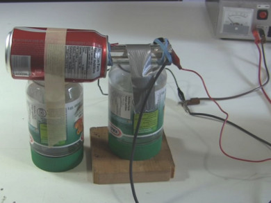 Homemade/DIY Van de Graaff generator with an open Coke soda can for the dome